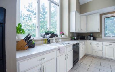 ¿Cómo decorar cocinas blancas?