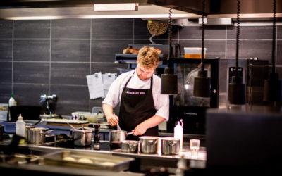 ¿Por qué elegir una cocina negra?